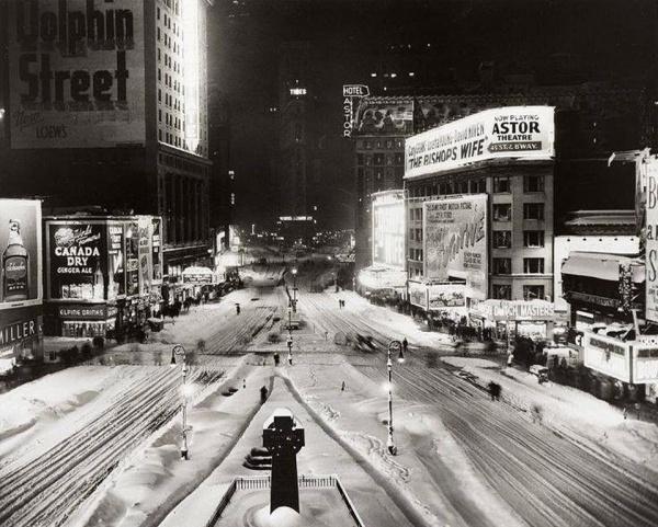 Time Square, Great Blizzard, December 26, 1947.jpg